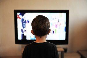 הגבלה של שעות צפייה במסכים לילדים קטנים - חובה